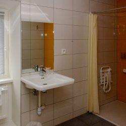 Salle de bain - Chambre double - Personne à mobilité réduite